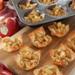Apple pie cream cheese wontons