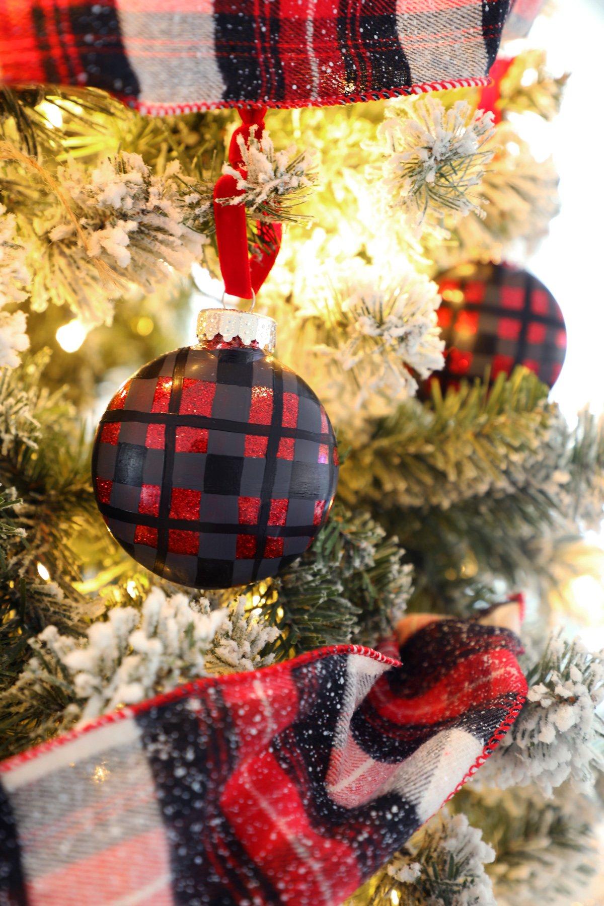 DIY Plaid Painted Ornaments