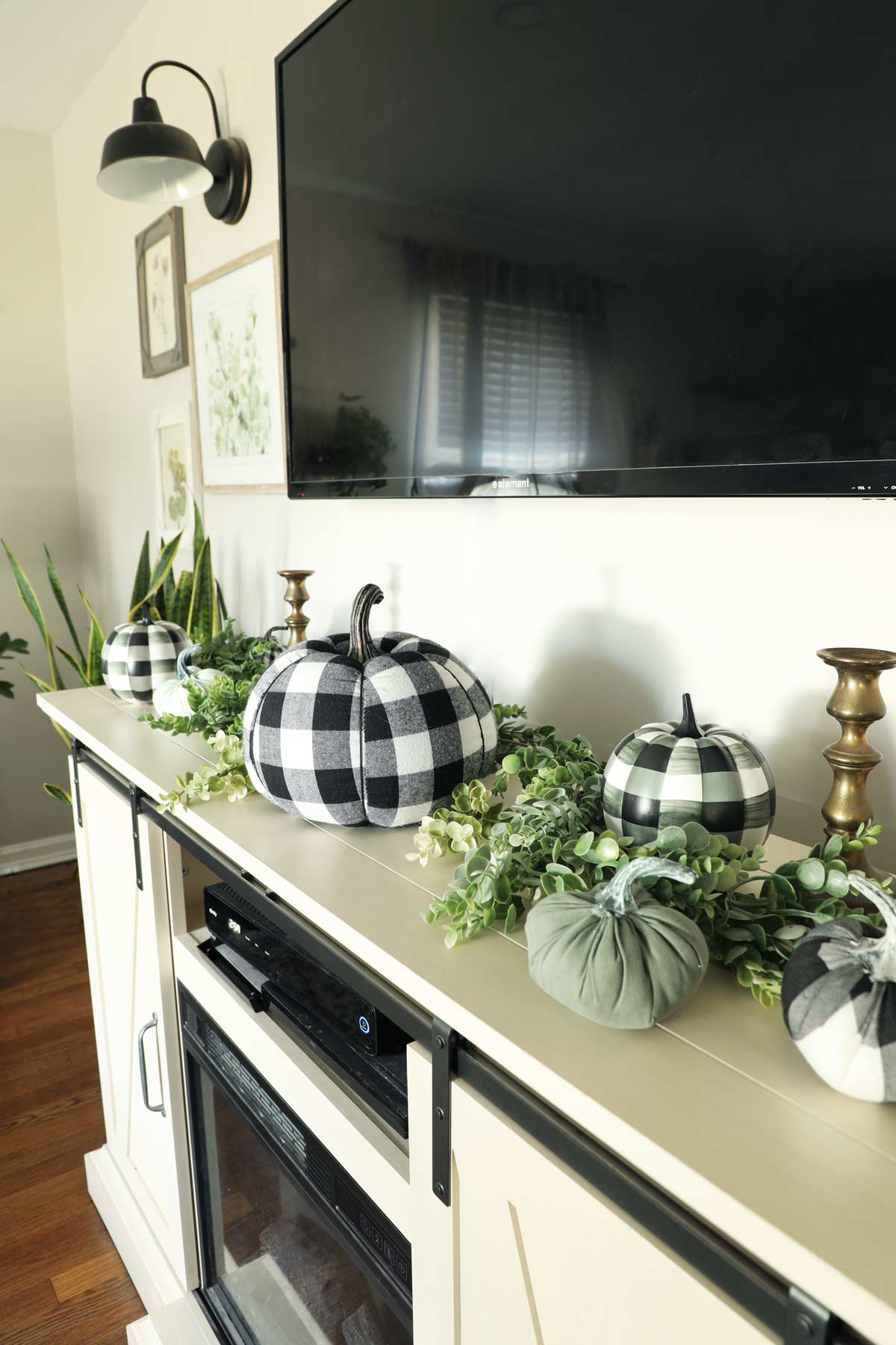 Buffalo check pumpkins